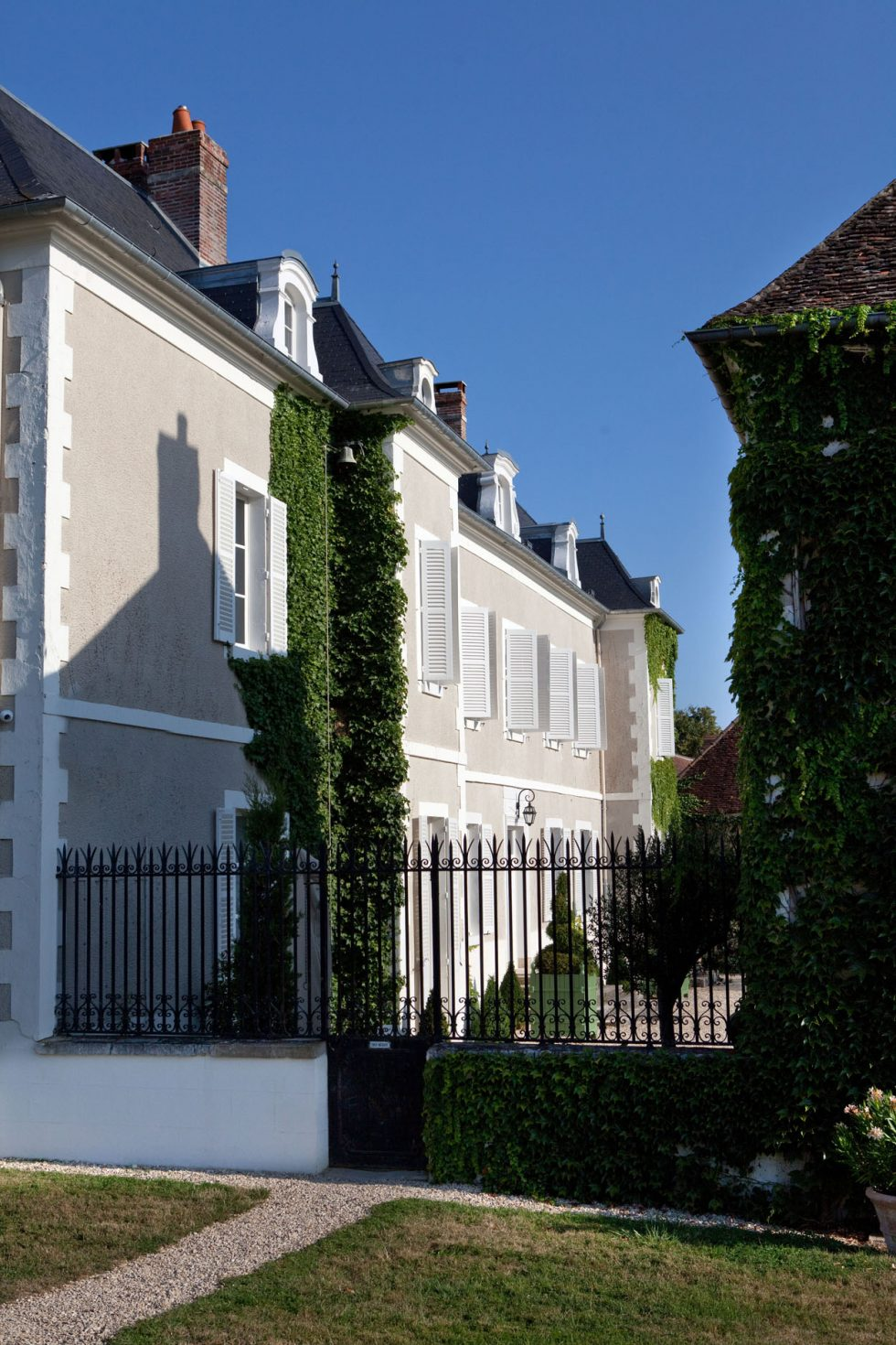 Boutique hotel in burgundy with a private collection of - Chateau de la resle ...